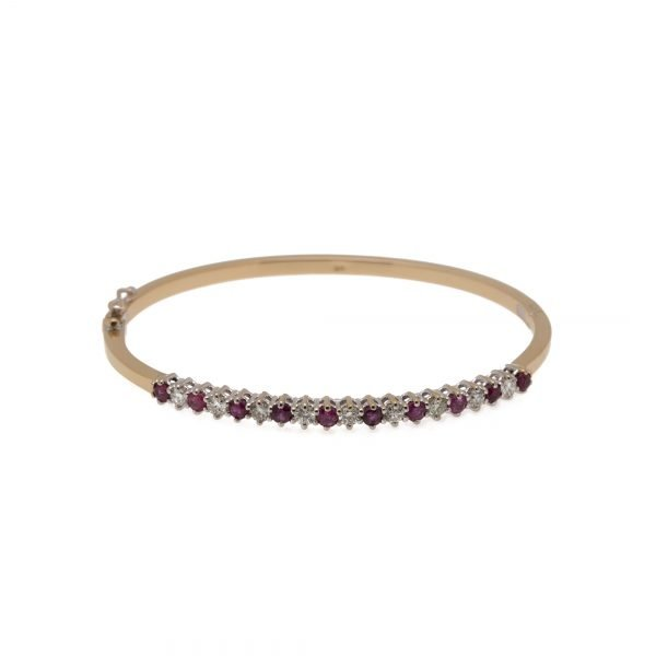 18Kt Yellow Gold and Sapphire Bangle