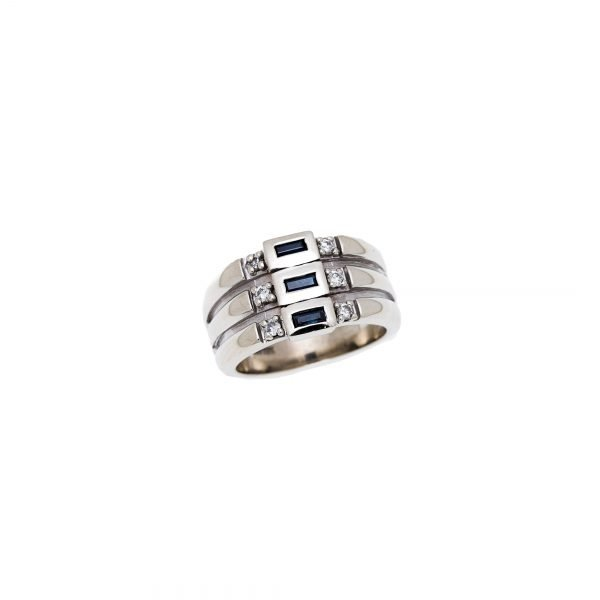 10Kt White Gold Estate Ring with Baguette Sapphire